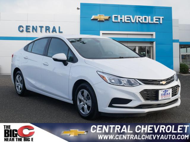 Pre-Owned 2017 Chevrolet Cruze LS Auto